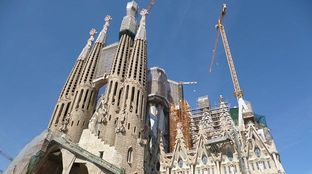 La Sagrada Familia… The Amazing Gaudi Cathedral