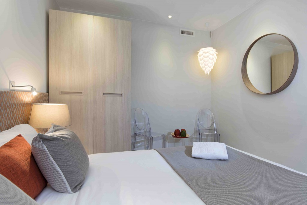 4 bedrooms for 8 persons – Luxury apartments in Barcelona Eixample