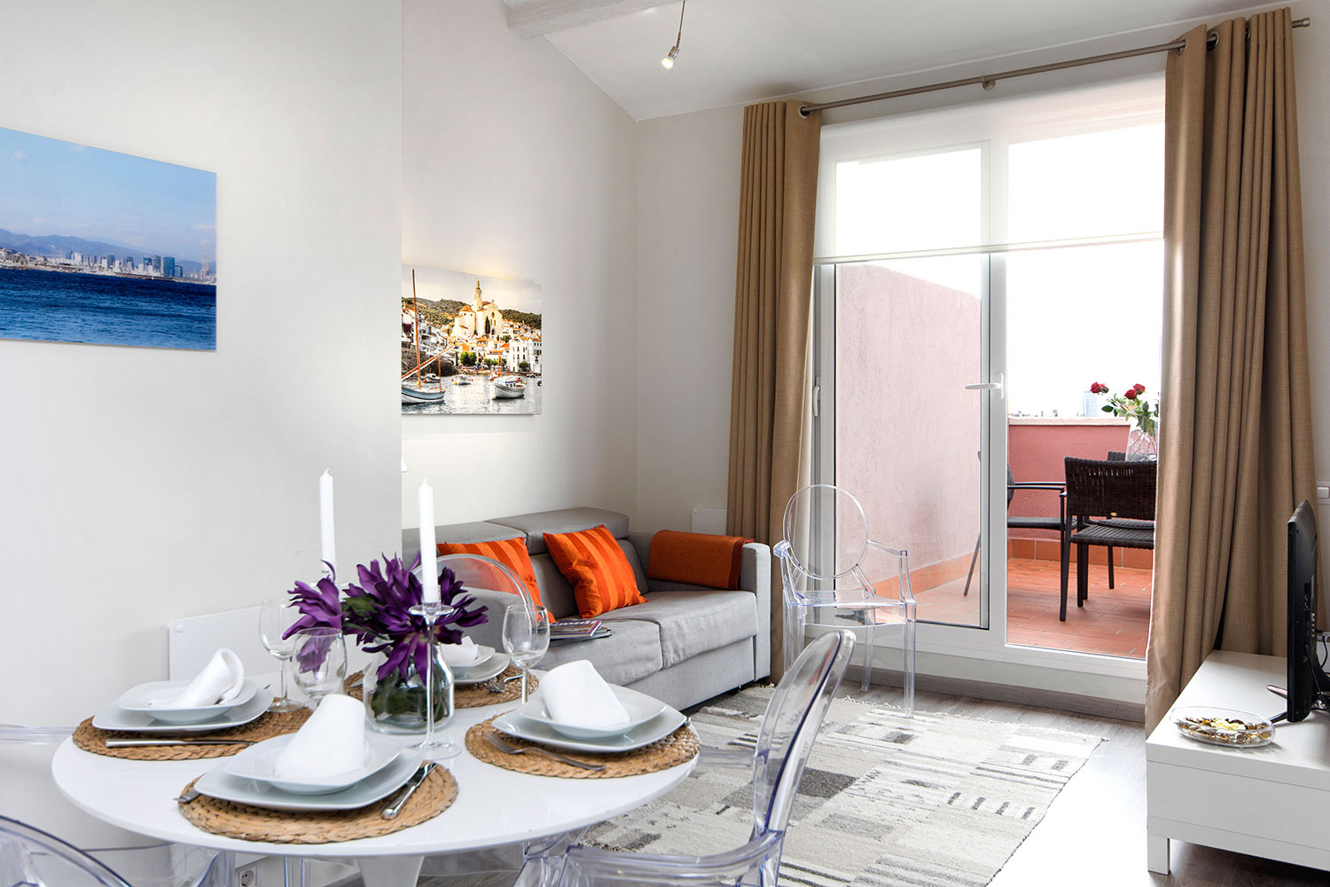 2 Bedrooms Penthouse Apartment for rent in Barcelona